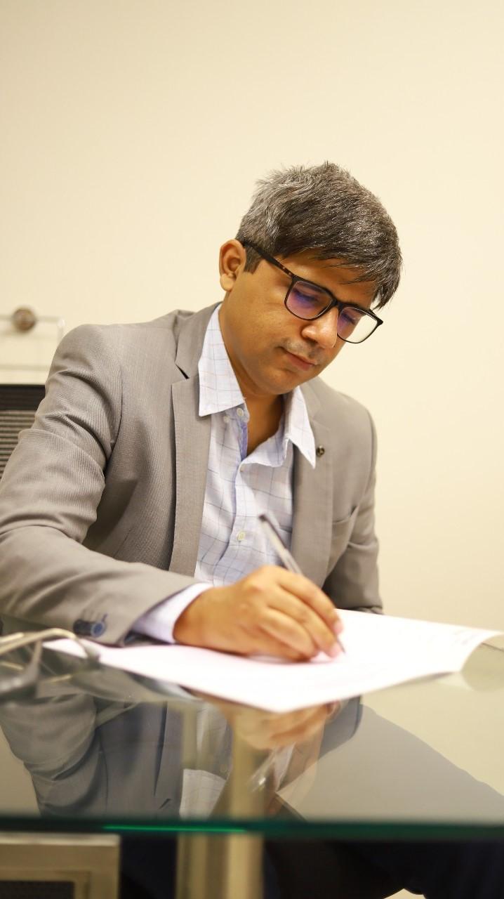 Dr . Ankush Singh